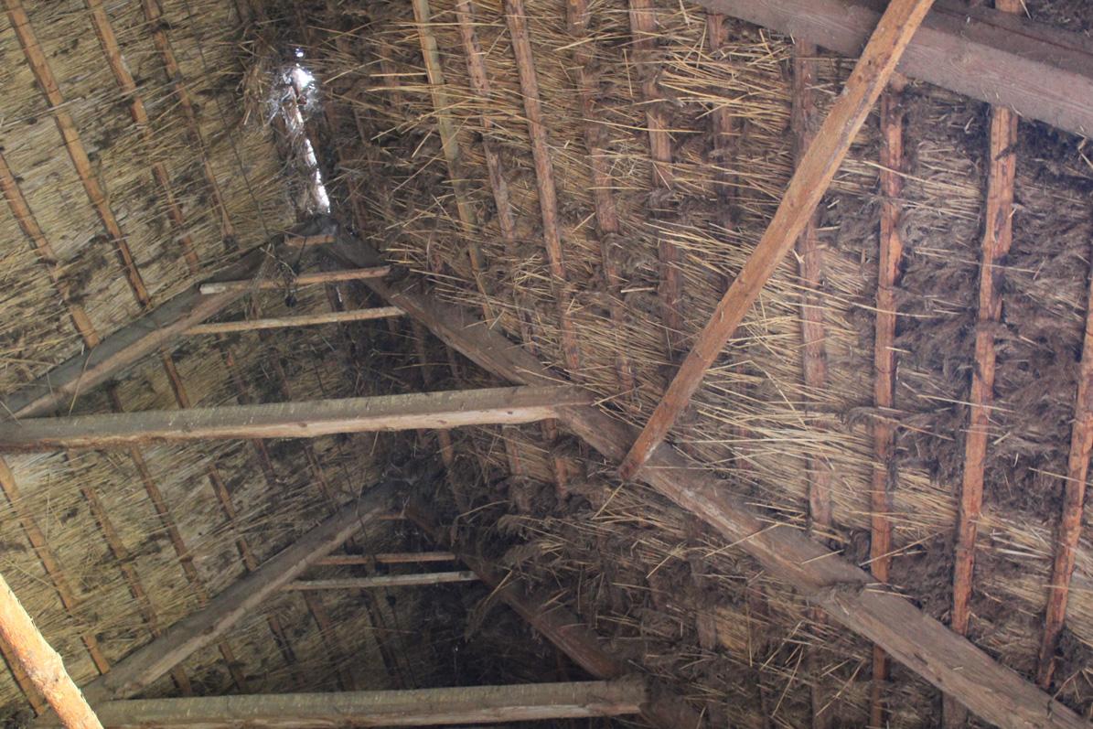 Więźba dachowa w stodole