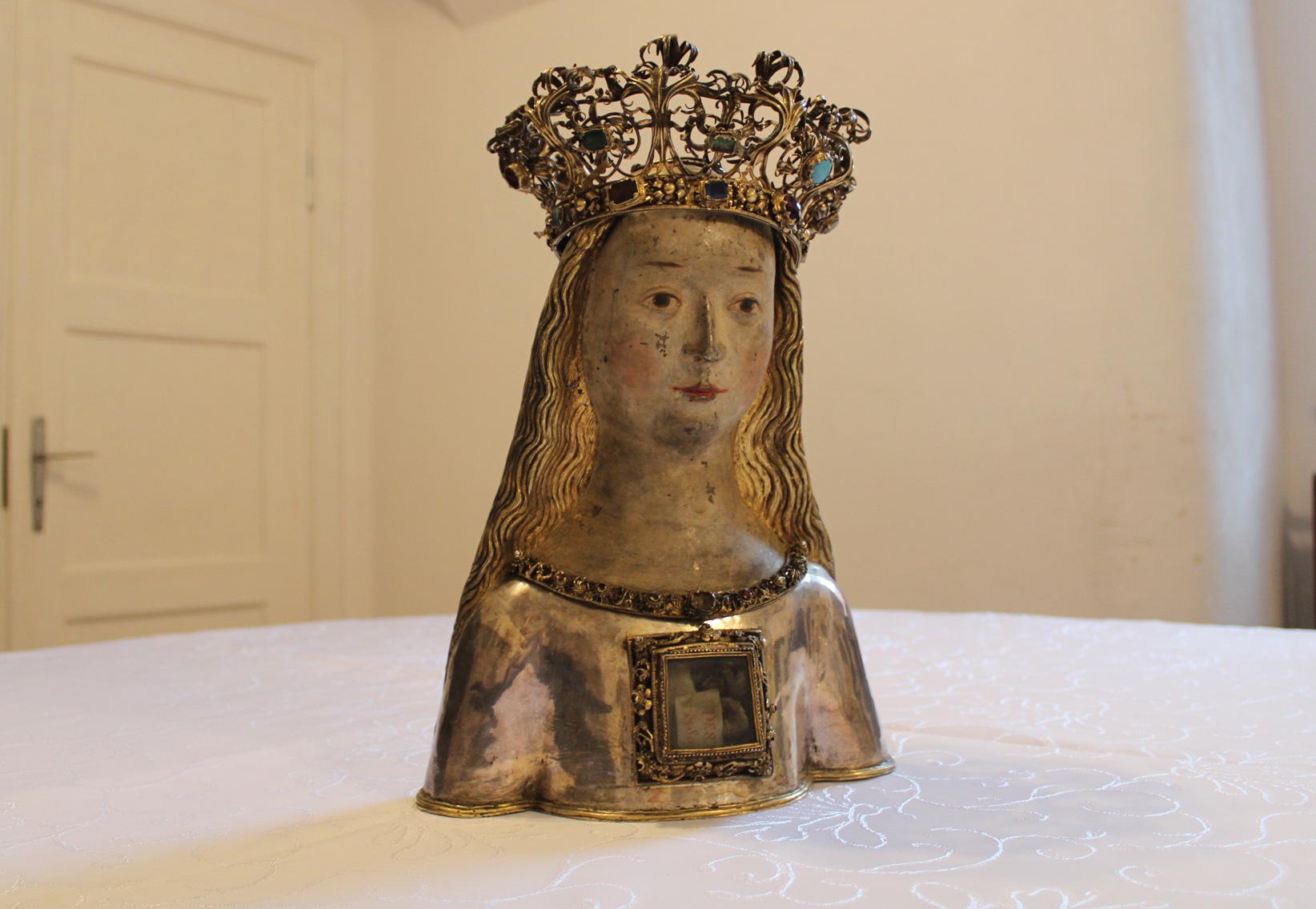 relikwiarz. święta Urszula z koroną