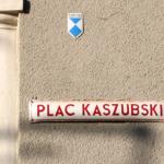 Plac Kaszubski tablica na klasztorze Wincentek w Gdyni