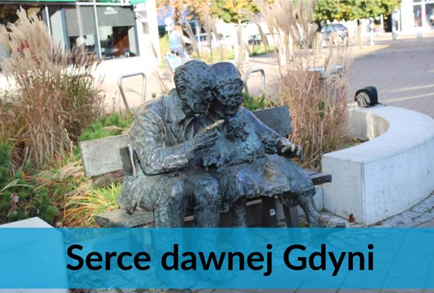 para Kaszubów na ławeczce na Placu Kaszubskim w Gdyni