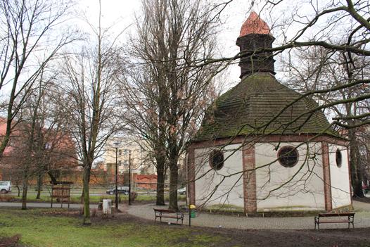 Kaplica centralna z kopulastym dachem